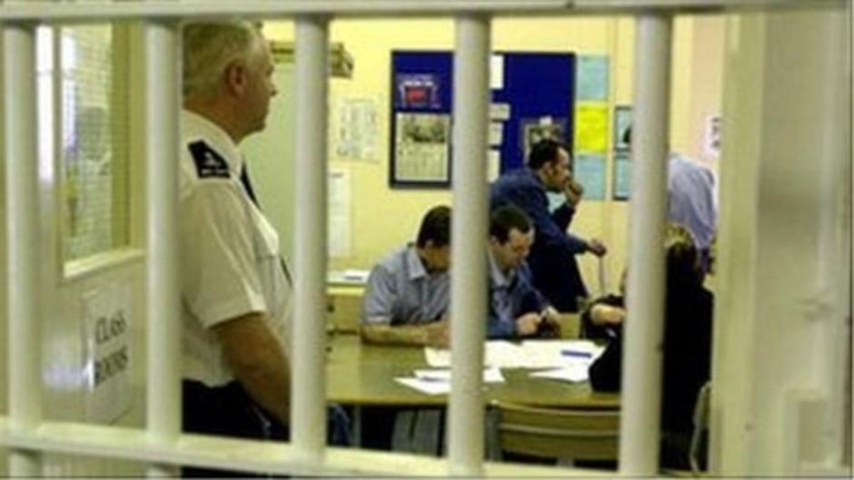 _70404916_classroomatwinsongreenprisonmarch2001pa